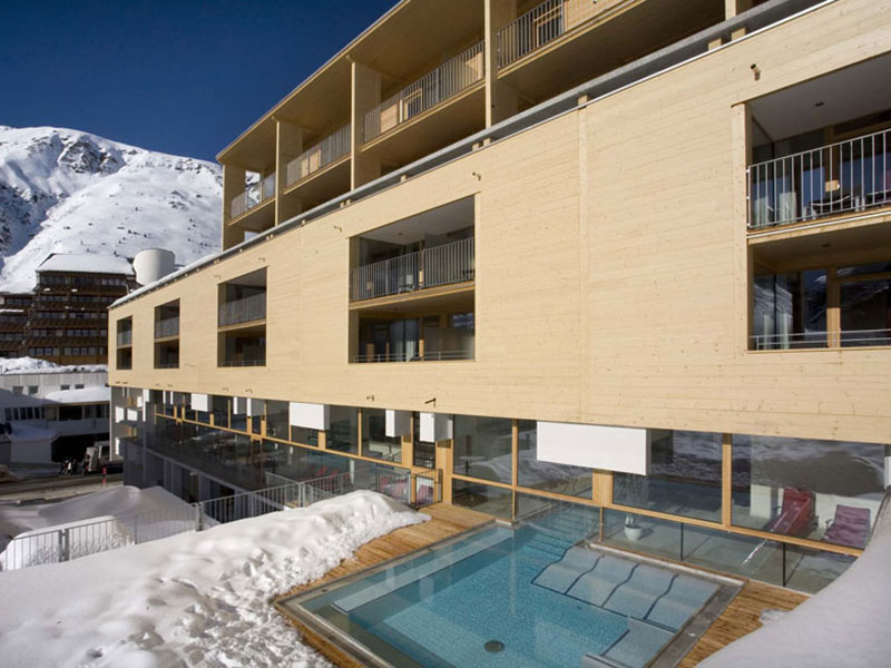 The Crystal ****s, Obergurgl